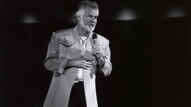 Photo of Country music legend, Kenny Rogers passes away at 81